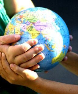 globe_hands1